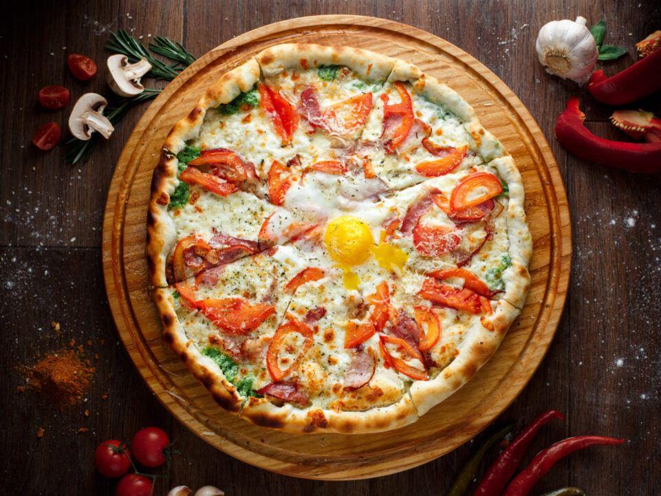 Безкоштовна доставка піци Карбонара